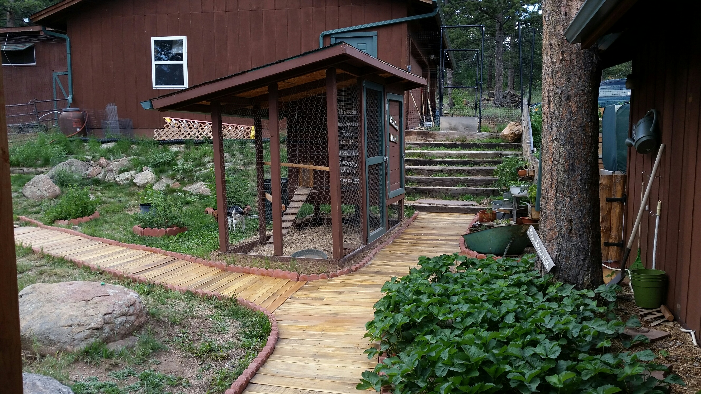 Making a Walkway with Pallet Wood - Willow Creek Farm